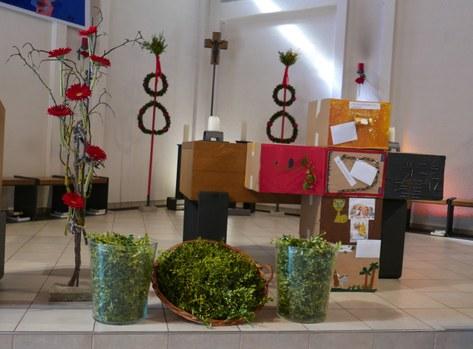 Kirche mit Palmzweigen