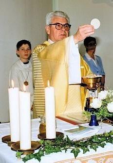 Gottesdienst-Eucharistie.jpg
